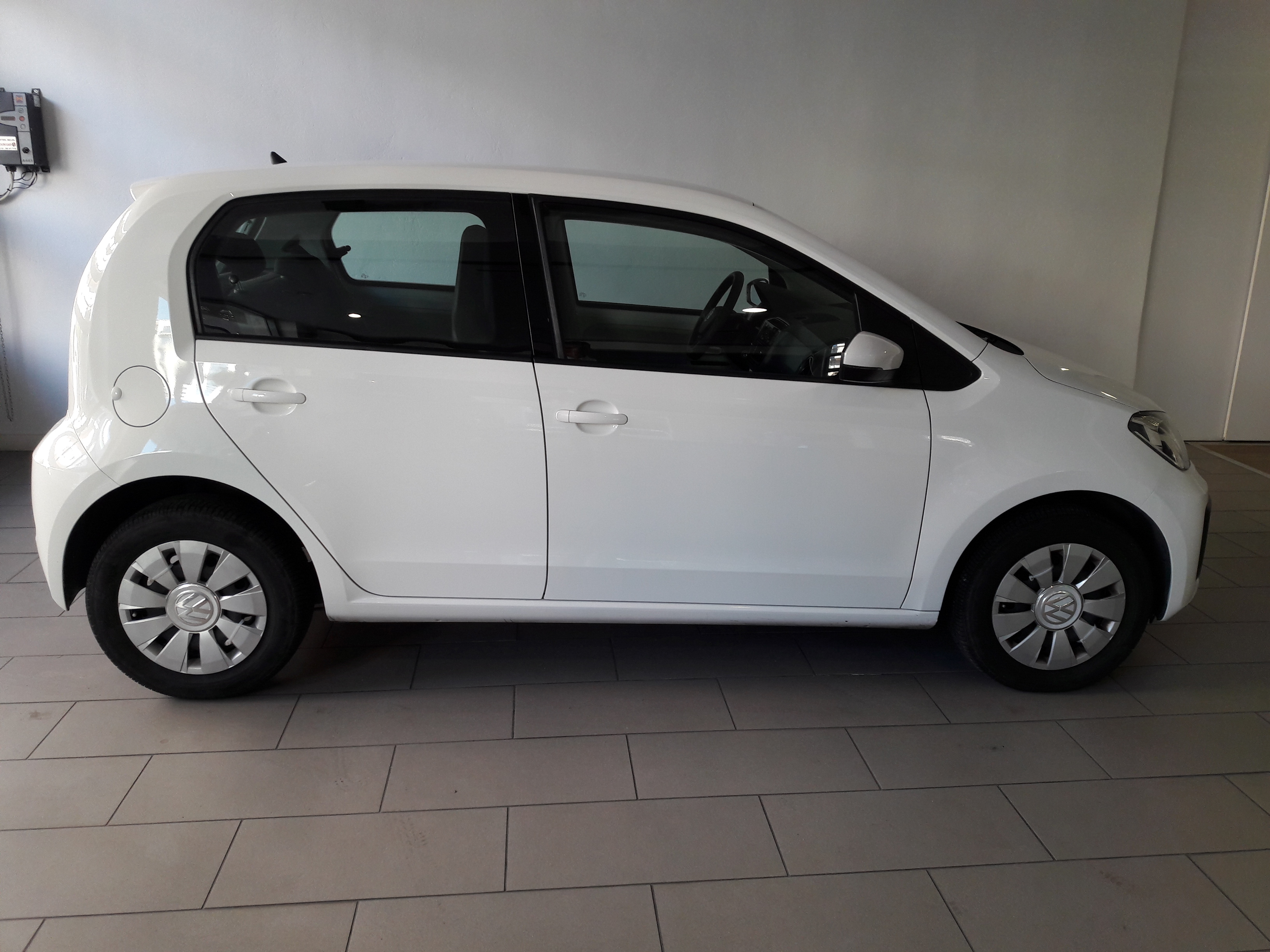 VOLKSWAGEN UP! NEO MOVE UP 1.0 MPI-4