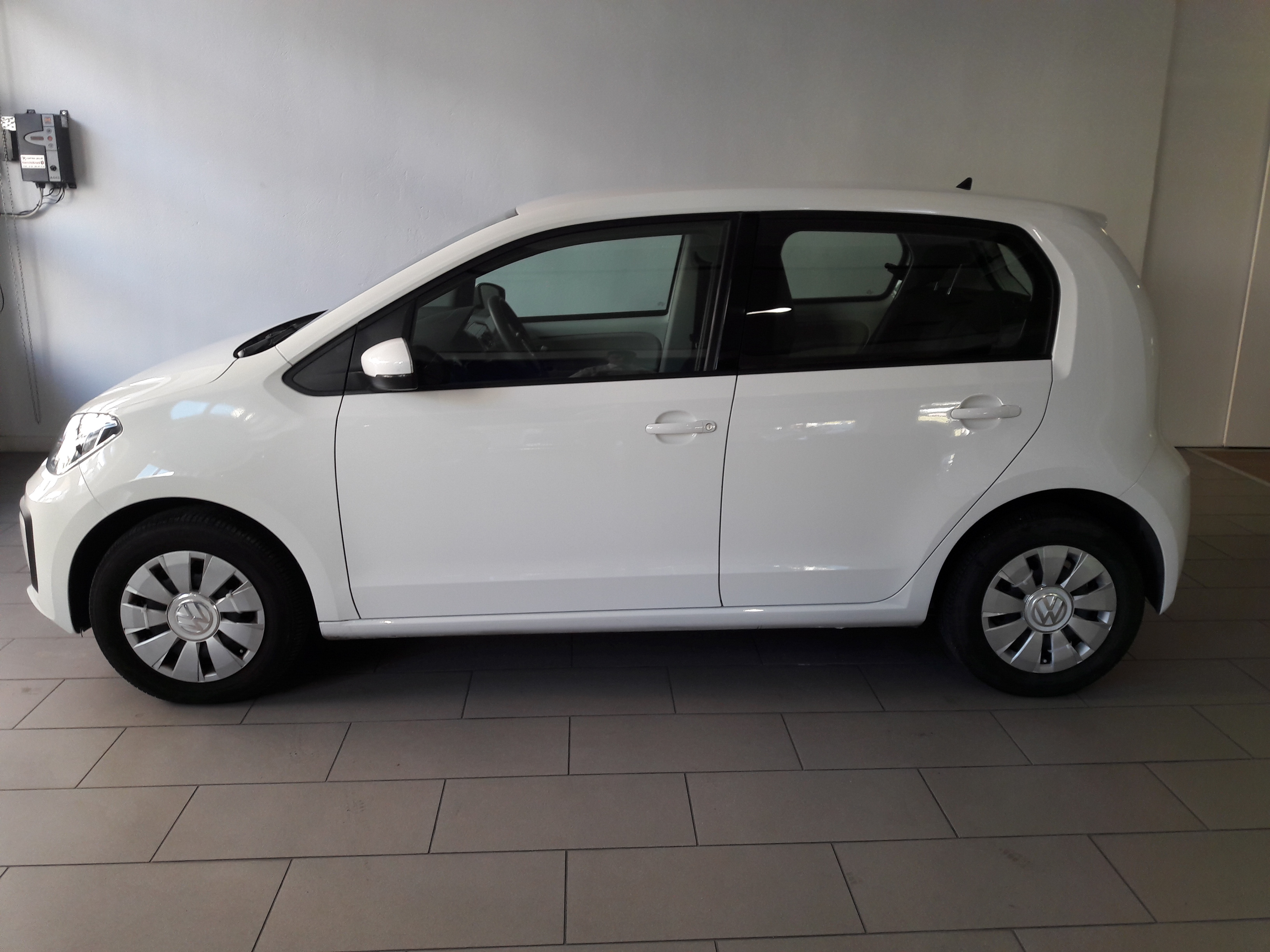 VOLKSWAGEN UP! NEO MOVE UP 1.0 MPI-3
