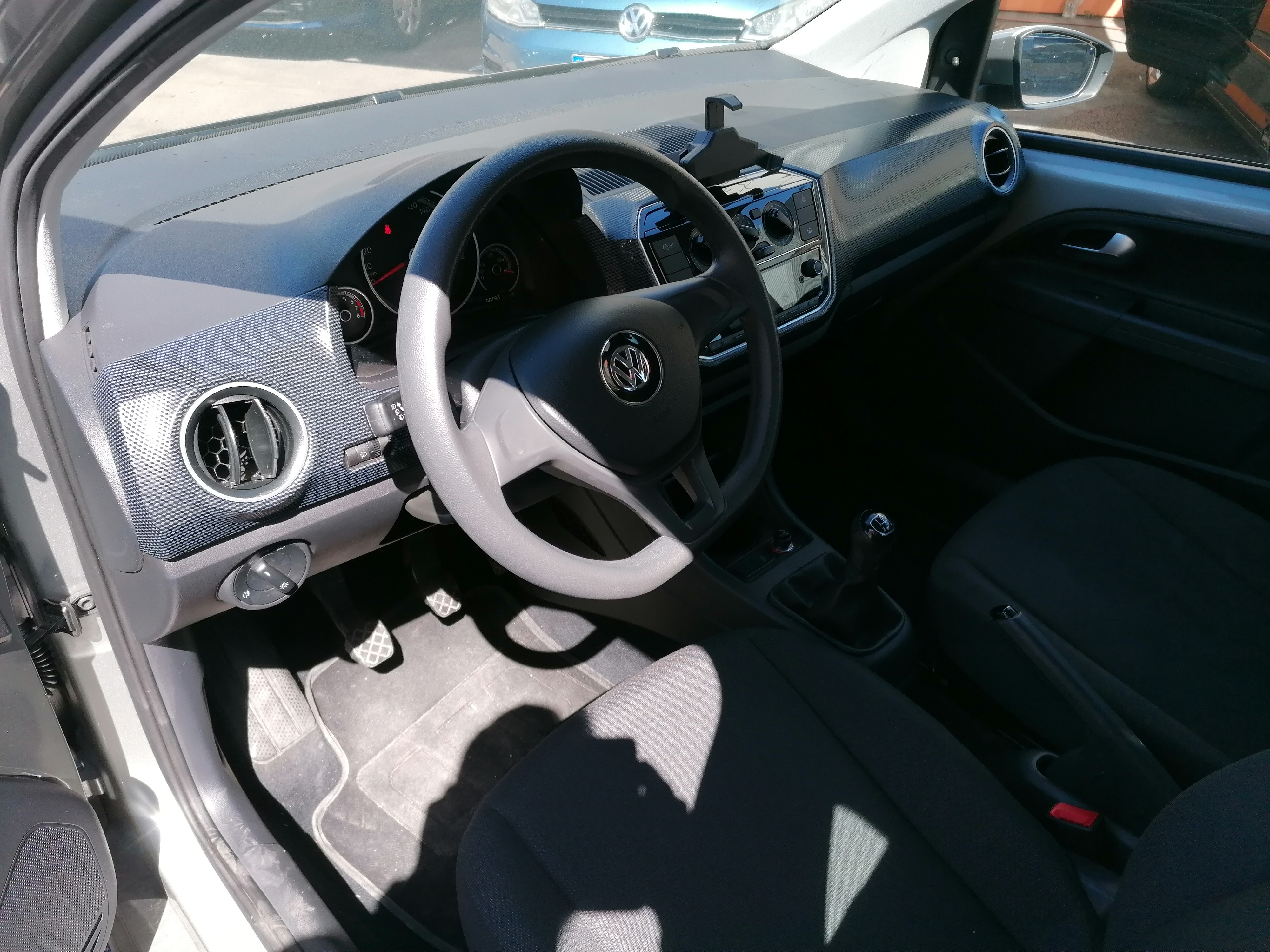 VOLKSWAGEN UP! NEW MOVE UP 1.0 MPI 60PS-4
